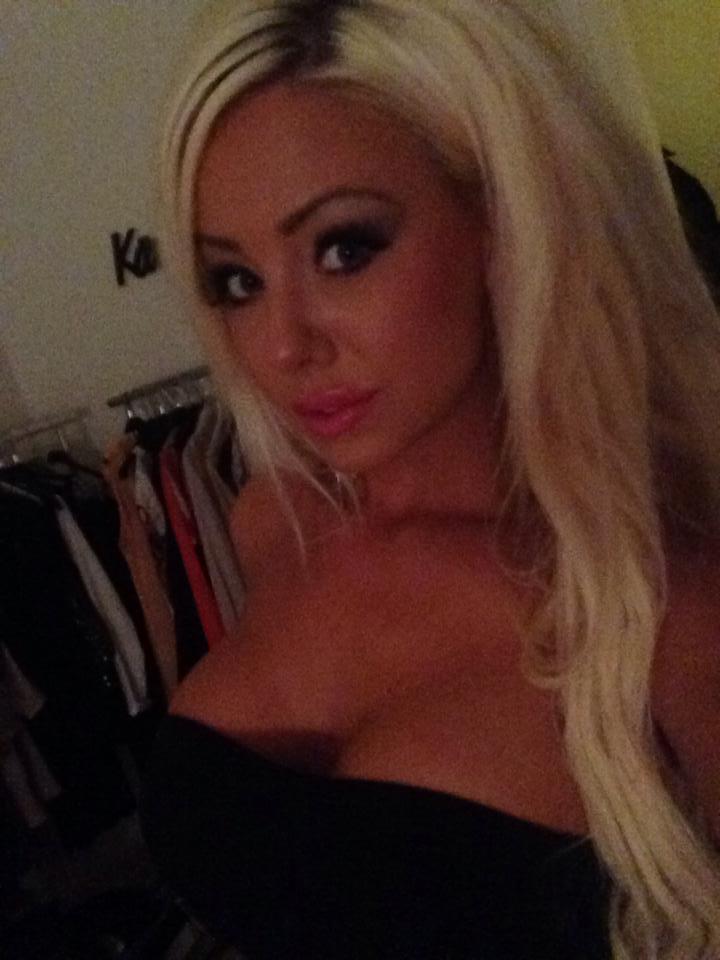 Amanda breden bröst