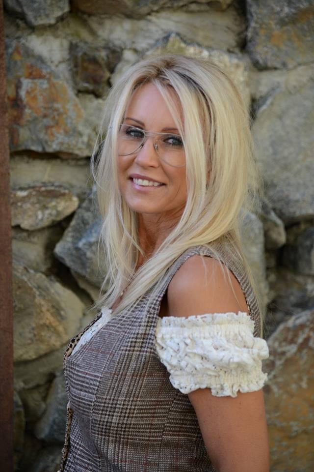 Annika Strauss Nude Photos 35