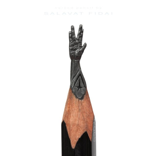 miniature-sculptures-carved-on-the-tips-of-pencils-by-salavat-fidai-1