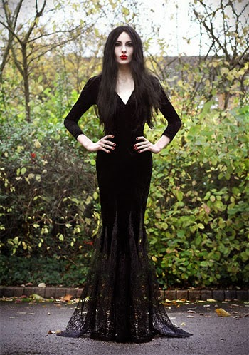 Unique-Yet-Scary-Halloween-Costume-Ideas-2013-2014-For-Girls-Women-7