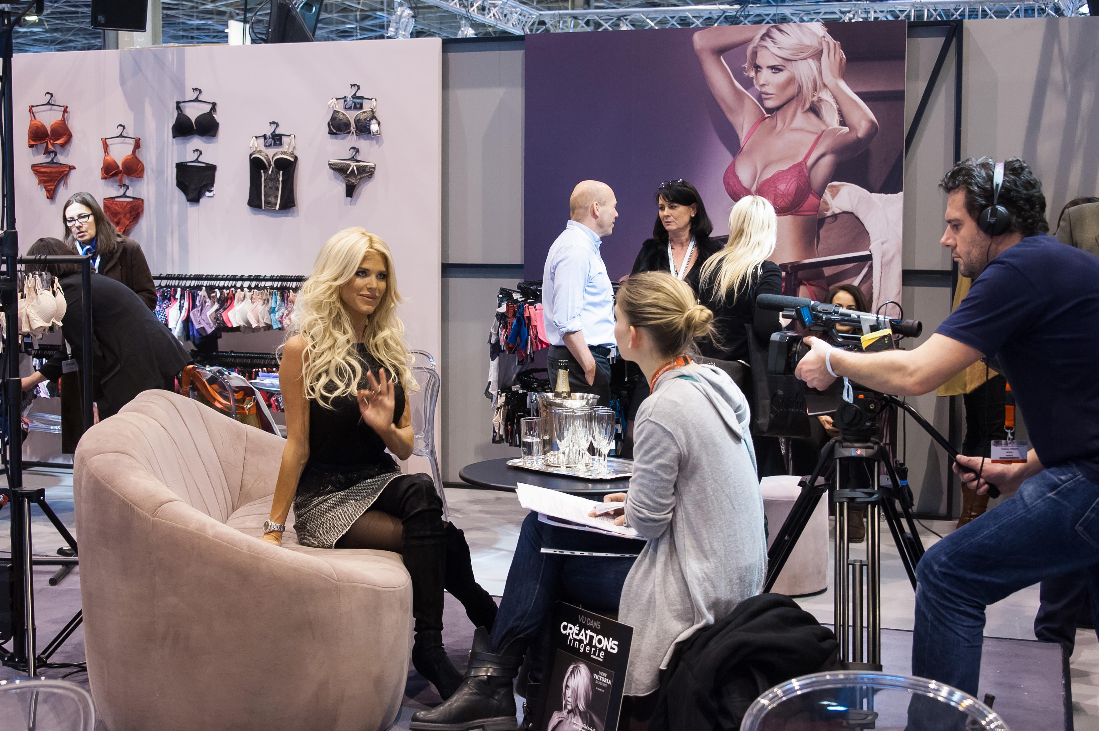 Victoria silvstedts nya kl der k ndisbloggen - Salon lingerie paris ...