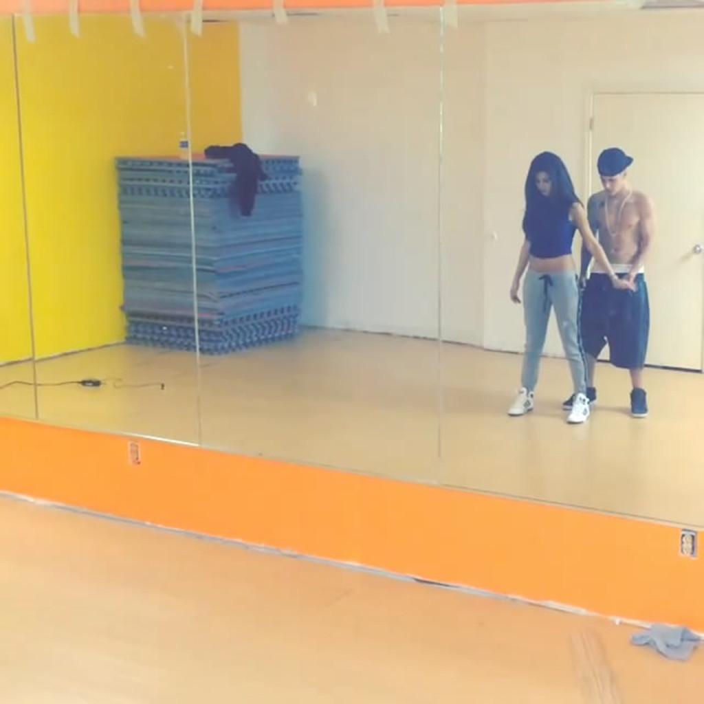 Selena Gomez and Justin Bieber dance