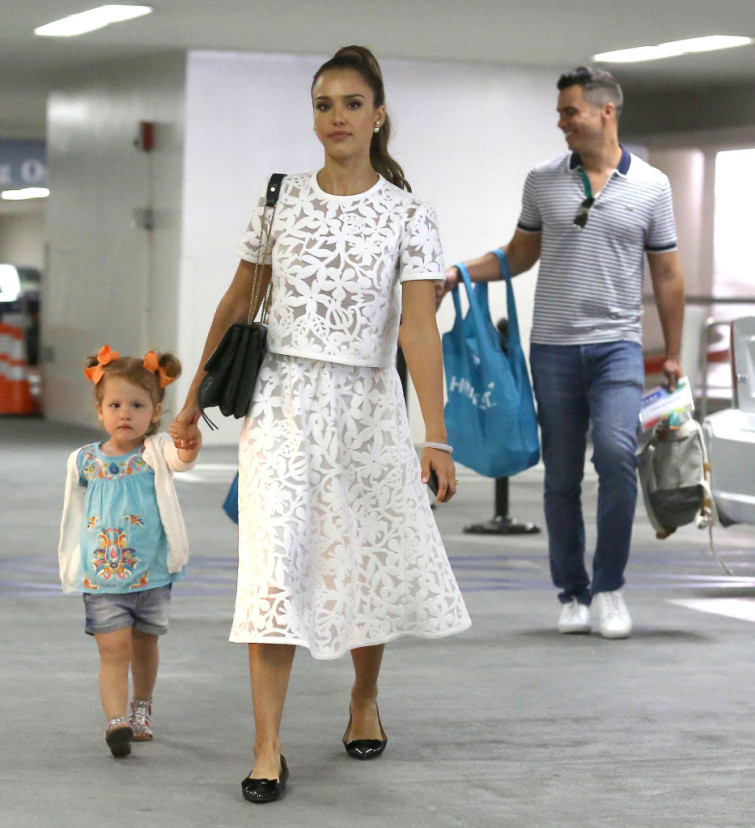 Jessica Alba Attends Event With Her Beautiful Family