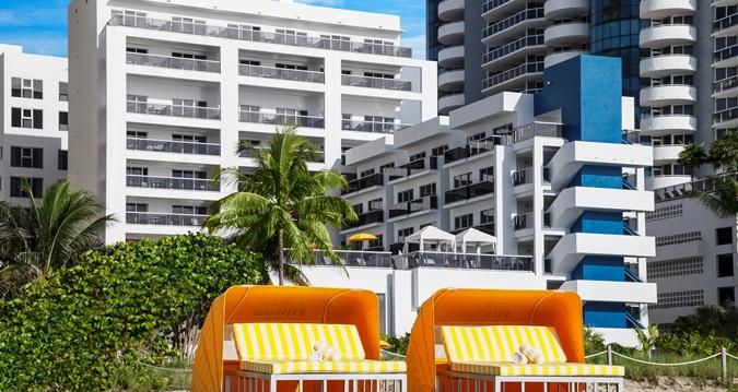Hotel Exterior Back Daytme Cabanas