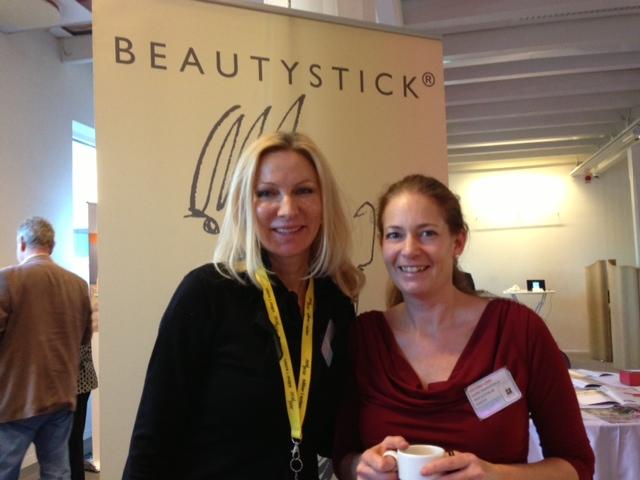Viktoria Lönn äger och driver Beautystick som enkelt och smidigt ta bort pormaskar.
