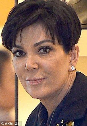 Kris Jenner sex dagar innan hennes julfest som hon årligen arrangerar.