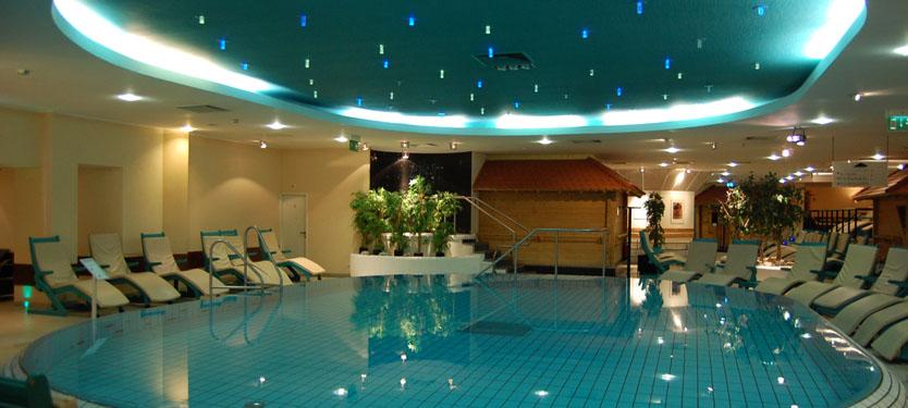 Termalbadet är över 3500 m2 av lyxiga varma pooler, bastur, ångbad, jacuzzi  mm.