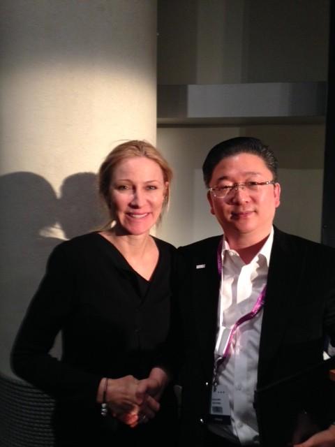 Dr. Kwong är uppfinnaren av trådlyft som jag träffat och utvecklat vidare på vår skola InjectAcademy.