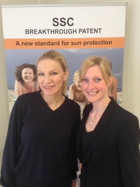 Karin Forsberg till höger är Patent Officer. Master of Science in Molecular Biotechnology på Hynell Patentbyrå.
