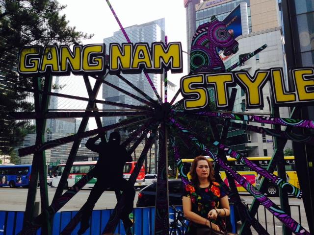 Här i Gangnam Town finns de mest trendigaste och exklusiva affärerna samt kliniker.