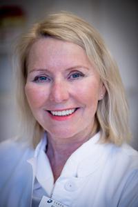 Dr Birgit Stark, leg. läkare, specialist i plastikkirurgi sedan 1989 och i år SFEPs nya ordförande.