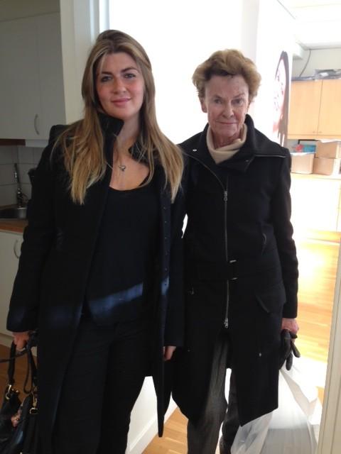 Madeleine fyllde år idag och shoppade med sin mormor.