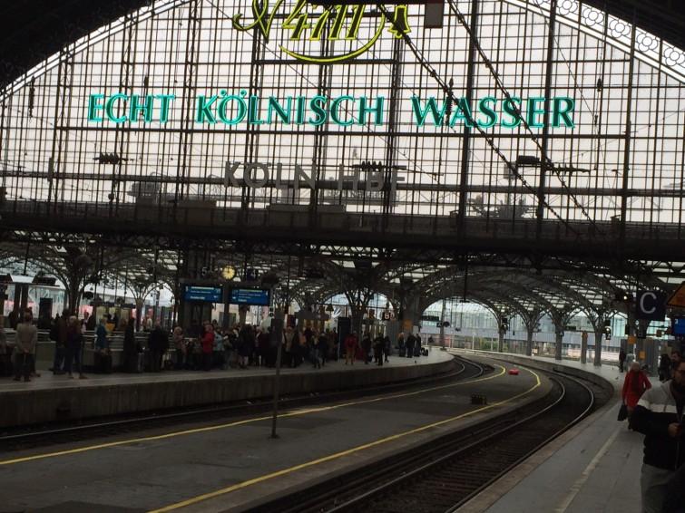 Från Kölns tågstation på väg till labbet med min kollega Xavier från Frankrike.