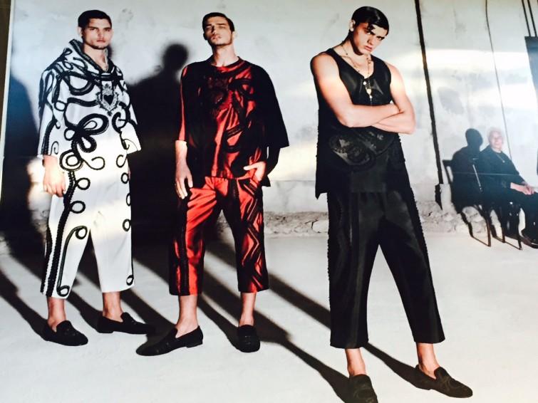 Nya modet från Dolce & Gabbana inspirerat  av Harlekin, på italienska Arlecchino. En av centralgestalterna i klassiska commedia dell'arte. Han är Pantalones huvudtjänare och Colombina är hans älskarinna.