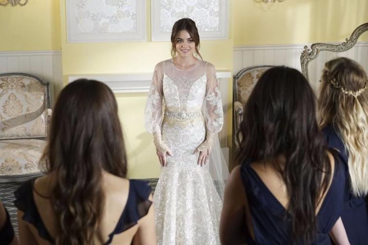 Aria-Wedding-Dress-Pretty-Little-Liars