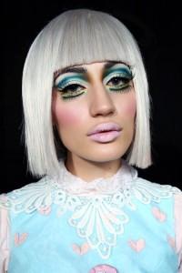 3-Make-Up-Store-Attitude-©Anna-Vinterfall-