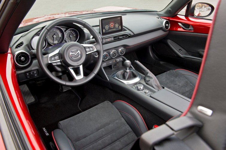 mx5_2015_sneak_peek_interior_7_screen